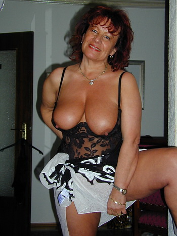 67 year old granny gerri playing with her pussy - 3 1